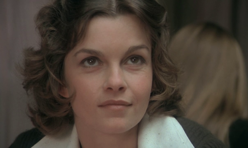 1_Genevieve-Bujold.png